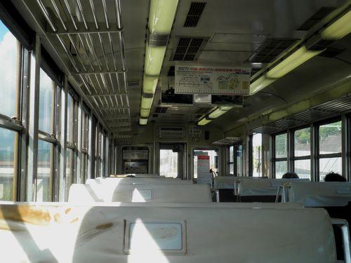 大井川鉄道3000系車内(2011年9月13日・金谷駅)