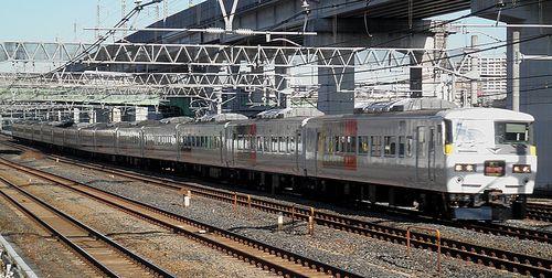 宮オオ185系「OM 07」+「OM 04」編成(2014年1月16日・東十条駅)