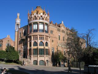 20061225-Barcelona_Hospital_de_la_Santa_Creu_i_Sant_Pau_4_MQ_convert_20110114105015.jpg