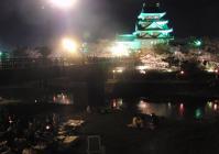 お城と、桜と、川辺でBBQ