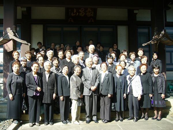 墓前祭の参加者