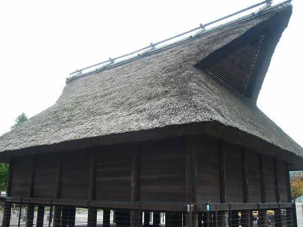 大阪歴史博物館前の倉庫