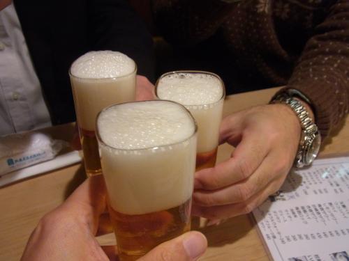 121219-003ビールで乾杯(S)