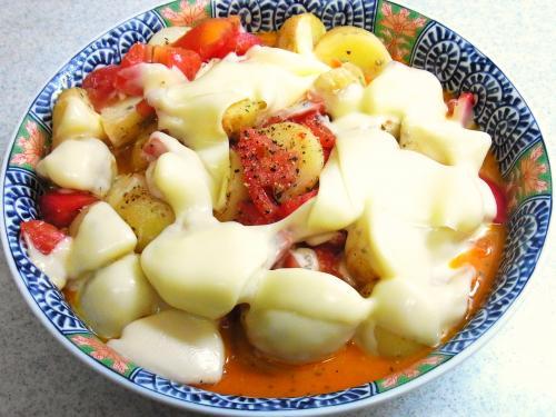 130519-221じゃがいもとトマトのチーズ焼き(S)
