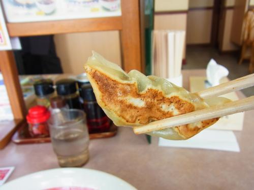 130602-107餃子齧る前(S)