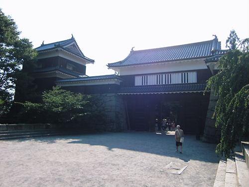 本丸門と北櫓