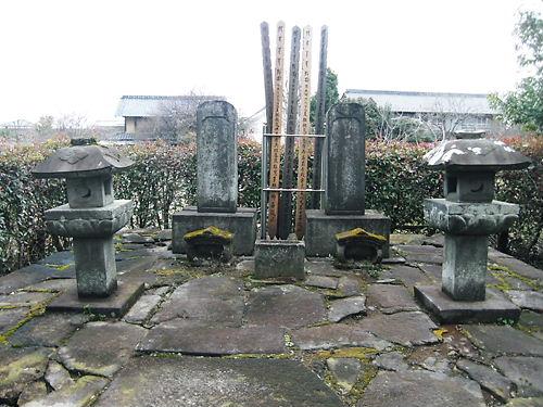 柳沢信俊の墓