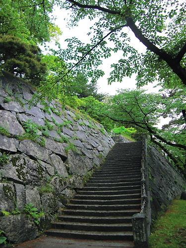 盛岡城本丸への階段