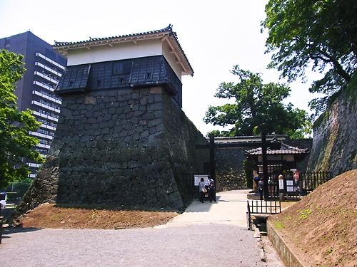 平御櫓と須戸口門