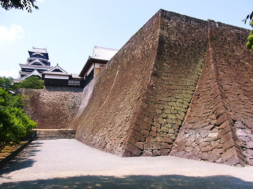 二様の石垣