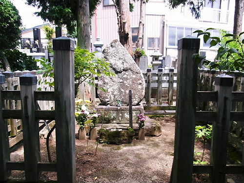 松平忠輝の墓