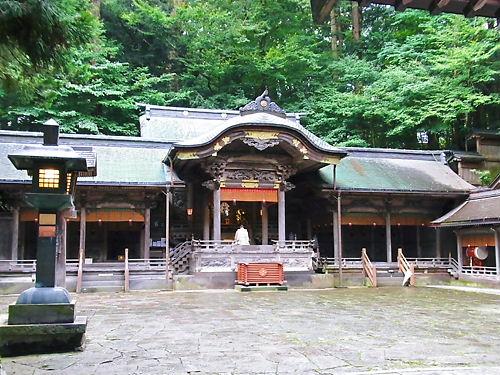 上社本宮拝殿