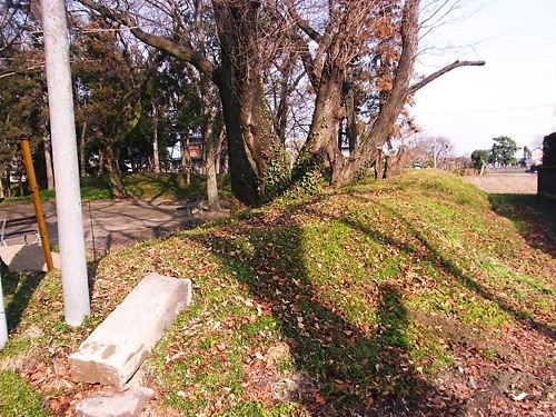 東別府神社の土塁