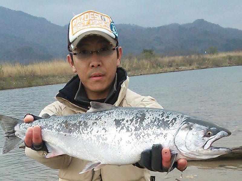2013荒川サクラマス釣り 新潟村上