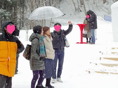 雪が降る中の撮影