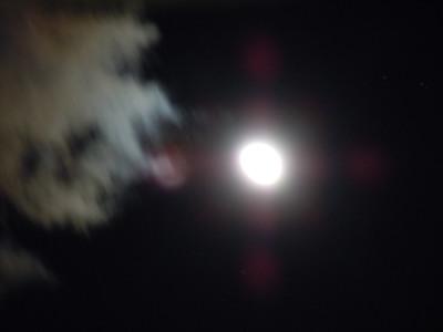 雲と月(夜景モード)