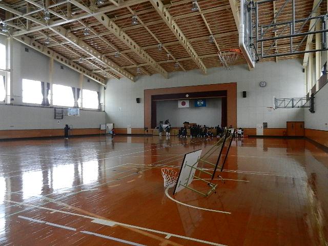 体育館 001
