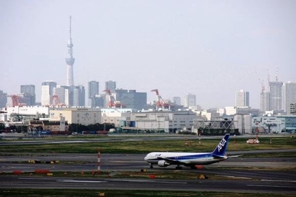 羽田空港とスカイツリー