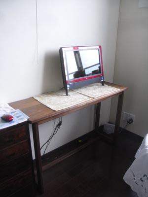 パソコンデスク01