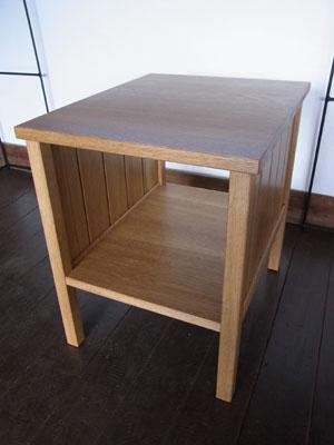 サイドテーブル01