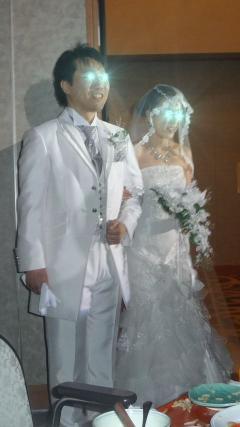 白ドレス1