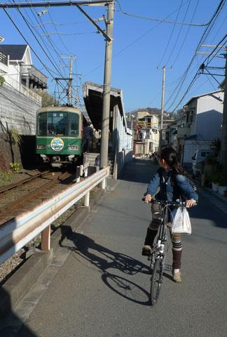 00江ノ電とチャリ