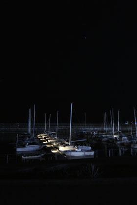 002夜のマリーナ