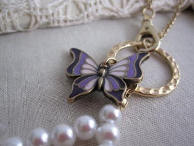 蝶のバックチャーム