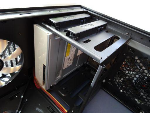ZALMAN Z3 Plusの組み立て手順