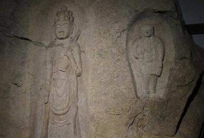 王龍寺磨崖仏