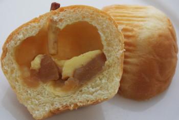 りんごパン中