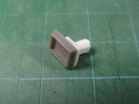 【HGUC】Hi-ν 腰部スタンド接続穴用の蓋+ディティールアップ