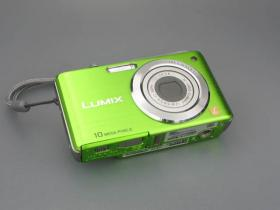 Panasonic DMC-FS7