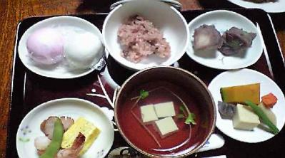 お食い初めのお祝い膳。