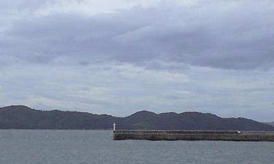 もうすぐ台風来るから雲行き怪しい。。。