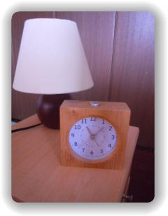 寝室ライトと時計