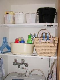洗濯機上収納見直し後