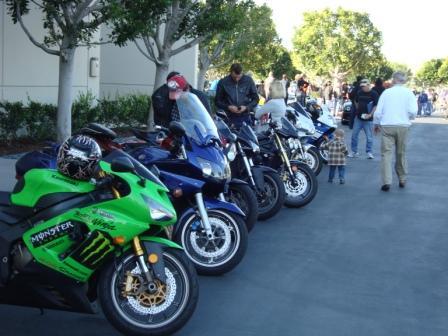 3-5 car show bikes