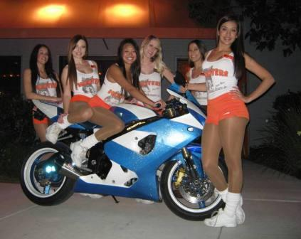 hooters all girls
