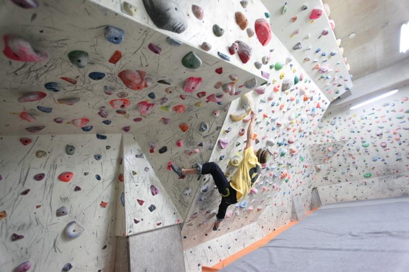 bouldering-navi-gym-vac.jpg