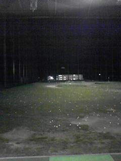 夜間ゴルフ練習