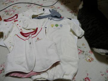 ベビー服とゴンw110110