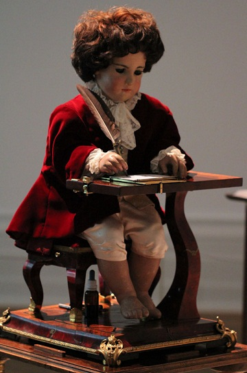 Jaquet-Droz-automaton-exhibit-5[1]