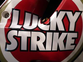 LUCKY STRIKE デカール