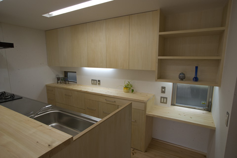 kitchen2W.jpg