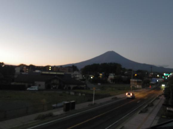 朝1富士山