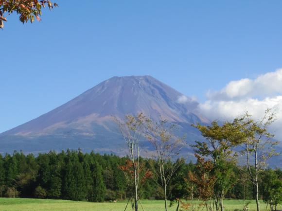 道の駅朝霧高原からの富士山