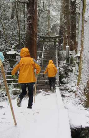 雪の熊野磨崖仏 2