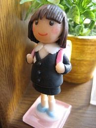 ピンクランドセル人形