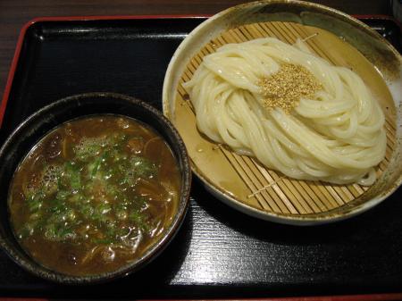 和牛すじ肉がゴロゴロ入ったスペシャルなつけ麺